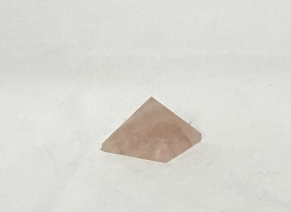 ROSE QUARTZ Pyramid// Rose Quartz// Crystal PYRAMID// Quartz Pyramid// Stone Carved Pyramid// Healing Crystals// Healing Tools// Home Decor