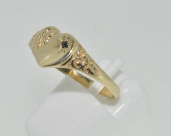 9ct yellow gold ladies or childs heart shaped signet ring with sapphire size L