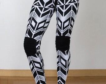 printed leggings~black legging~pattern leggings~screen printed leggings~leggings~tights~active wear~yoga pants~geometric leggings