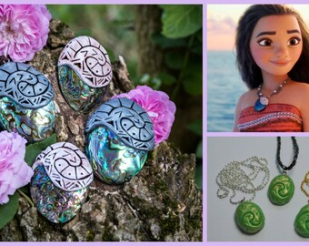 Moana Disney heart of Te Fiti Necklace/V heart of Te Fiti Necklace/Heart of Te Fiti in clay/heart of Te Fiti Fimo/