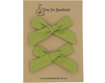 Spring Green Hand-Tied Bow // Pigtail Set
