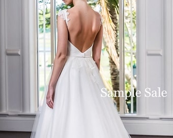 A-line wedding dress/Low back wedding dress/Handbeaded lace/Wedding gown Handmade wedding dress/ Sample Sale dress