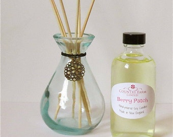 Berry Patch Reed Diffuser Set with Clear Teardrop Glass Jar and Flower Charm