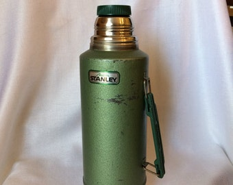 Vintage Aladdin Thermos, Half Gallon Thermos, Stanley Thermos,  Green Vacuum Thermos, Green Metal Thermos, Cabin decor, insulated thermos