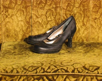 Women's Black Mary Jane High Heel Pumps MUDD Size 8