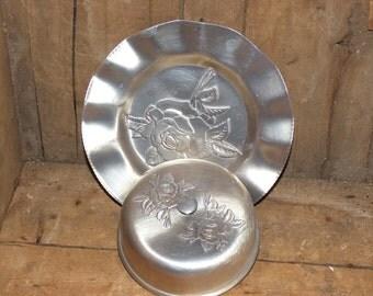 Vintage Hammered Aluminum Covered Butter Dish   Rose Pattern  -1039