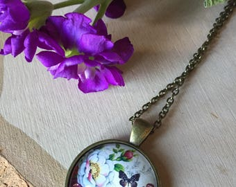 Gorgeous Vintage floral pendant necklace, gift for her