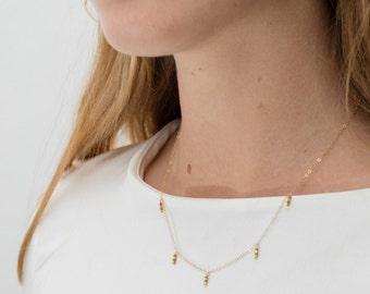 collier court doré à l'or fin 24 carats Amor