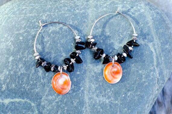 Creole MOLA MOLA black - Glass beads black, hematite, & seal shell Earring hoops creole - Eye of Santa Lucia
