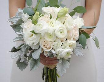White Wedding Bouquet, Classic Wedding, White Ranunculus, Seeded Eucalyptus Bouquet, DIY Bridal Bouquet, Fresh Flowers
