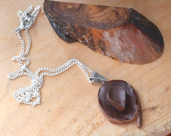 Necklace | Indiana Jones | Whip & Fedora