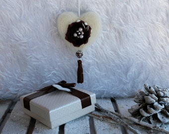 Christmas decorations, Xmas gifts. Needle felted heart.