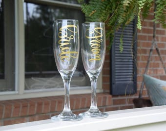 Bride and Groom Toasting Glasses Bride and Groom Champagne Glasses Bride and Groom Toasting Glass Set