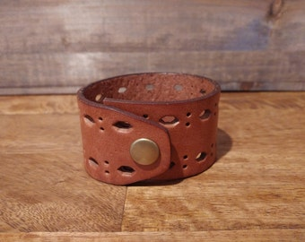 Geniune Leather Cuff // upcycled belt