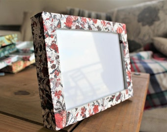 "7x5"" Red floral hand decorated photo frame"