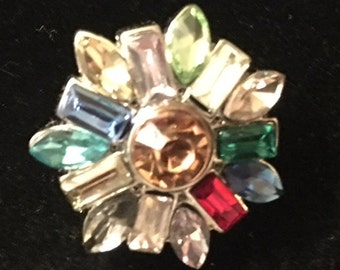 Beautifully Designed Snap with many colored rhinestones - Fits all snap jewelry - 20mm