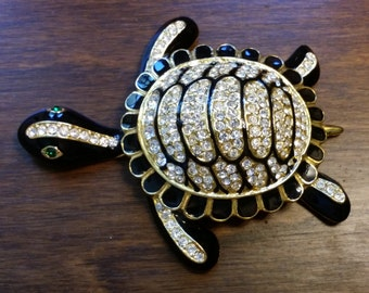 Green eyed sparkly turtle brooch