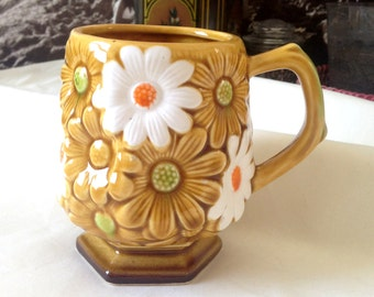 60s Mug, Daisy Mug, 1960s, 1970s, Flower Mug, Flower Cup, Daisy Cup, Hippie Mug, Fairy Mug, Retro Floral, Ochre Mug, Hexagonal Mug,