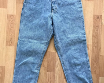 90s Vintage High Waisted Mom Jeans / Size 4