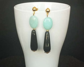 Earrings of agate black and light blue
