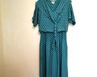 Vintage 1980s Teal Green and Black Dress with Ascot, Geometric Print, Drop Waist Secretary Dress, Short Sleeves, Size 9 10 304