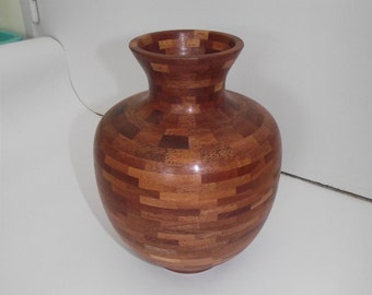 811 red wooden turned vase