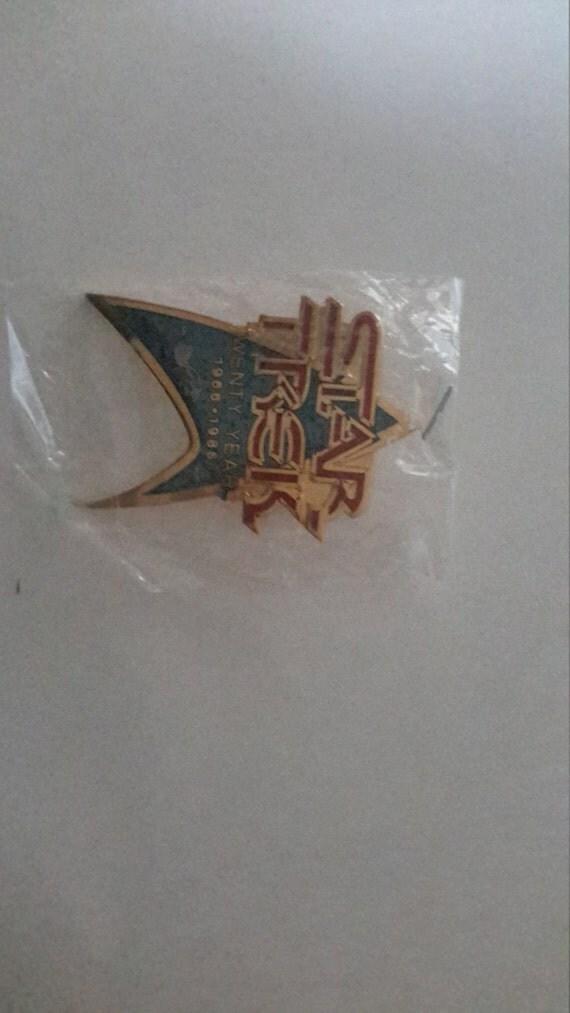 star trek 20th anniversary metal pin 1966-1986 made by Hollywood pins 1986