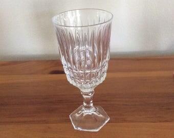 Fostoria Lead Crystal Wine Glass in Heritage pattern