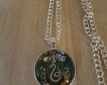 Slytherin Necklace//Harry Potter Jewelry//Harry Potter Necklace//Harry Potter Pendant//Slytherin Pendant//Gifts for her//Unique Gifts