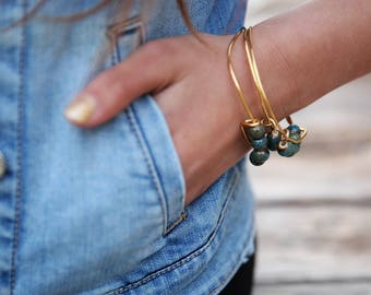green Bangle, Bangle Stack Bracelets, Fabric bracelets, Stacking Bracelets, Fabric Wrapped Bracelet, charm bracelet Fabric, Gypsy bracelet