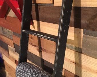 Rustic Reclaimed Wood Blanket Ladder, Towel Rack, Blanket Display, Blanket Holder, Rustic Ladder, Pot Rack, Quilt Rack, Vintage Ladder Rack