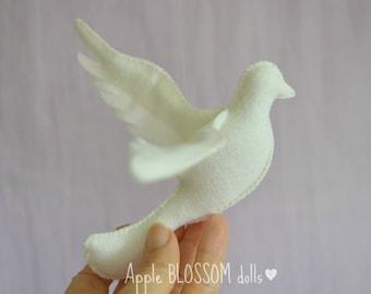 Dove. White felt Dove. Waldorf inspired Dove for Whitsun/ Pentecost festival. White dove ornament. Dove decoration.
