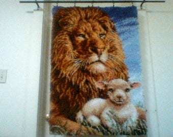 Latch hook. Lion and lamb. Craftways, finished wall hanging.