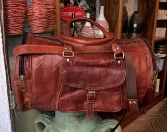Handmade Leather Suitcase, duffel with external pockets, handle and shoulder strap