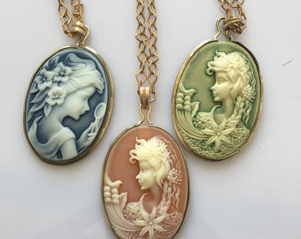 21 brass resin necklace