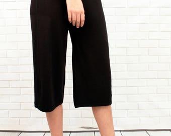 Bamboo Gaucho 2-pocket style mid-length loose drape capri with elastic waist - Bamboo Gaucho