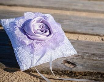 Violet Ring Pillow Wedding, Purple Ring cushion, Ring Bearer pillow, Big Flower, Vintage Wedding, Lace Ring Pillow, White Lace pillow