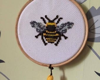 Cross stitch Bumble bee