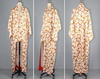 1950s kimono / silk robe / floral / SWEET BLOSSOM vintage kimono