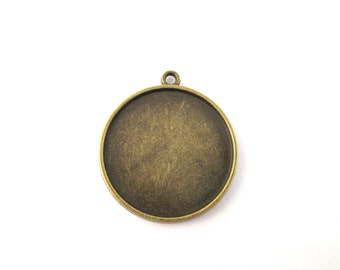 5 double sided 25mm round pendant trays, lovely  brass plated, 2 sided blank settings, B105