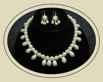 Queen Teresa Pearl Necklace Set