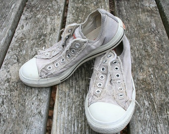 Converse khaki tan size 6 All Star shoes no lace frayed elastic tongue