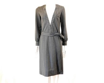 Vintage 60s Pinstripe Dress Long Sleeved Grey Dress// Mr Mench Dress//121