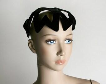 Vintage 1950s Heart Crown Hat - Queen of Hearts - Black Velvet Cage Hat