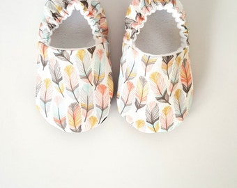 Baby Shoes, Baby Moccasins, Childrens Indoor Shoes, Feathers