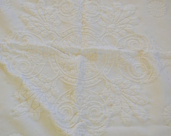 Vintage MATELASSE Cotton Coverlet blanket large size bedspread