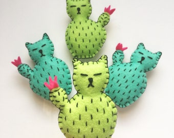 Cactus cat magnet, catcus, cute cactus cat magnet, cattitude Kitchen decor, refrigerator magnets, kitty plushie magnet, HibouDesigns, OOAK