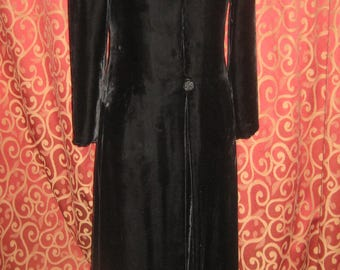 "1940's, 32"" bust, full length black velvet opera coat"