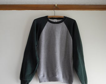 Two tone 70s / 80s RAGLAN 50/50 gray sweatshirt UNISEX sz. Small / Medium