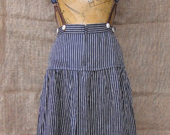 Pinstripe skirt with braces